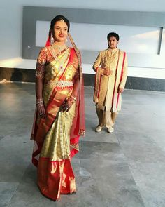 Indian Marriage Dress, Wedding Dresses Men Indian, Wedding Dress Men, Saree Jacket Designs, Wedding Saree Blouse Designs, Half Saree Designs, Bridal Sarees South Indian, Wedding Silk Saree, South Indian Bride