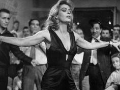 Melina Mercouri - the tavern scene from the film Never on Sunday Belle Epoque, Never On Sunday, Divas, Greek Music, Cannes Film Festival, Best Actress, Up Girl, Best Songs, Cool Costumes