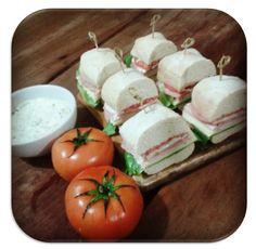 Garfo Publicitário | Adicione Publicidade e Pronto!: Sanduíche de Pão Ciabatta Com Salada, Peito de Per...