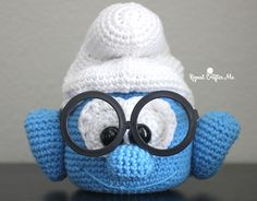 One of the latest crochet trends are muppet eye glass holders. If you don't know what I'm talking about you need to check outBert, Ernie, Animal, Grover and the whole crew! My oldest son wears prescription glasses and so does my husband so I couldn't resist coming up with my own version: a Crochet Brainy …