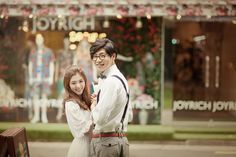 View photos from Korea Pre-Wedding - Casual Dating Snaps, Seoul , by May Studio on OneThreeOneFour. Korean concept casual engagement shoot, capturing the dating Korean Wedding Photography, Photography Poses, Pre Wedding Photoshoot, Wedding Shoot, Engagement Couple, Engagement Photos, Prenuptial Photoshoot, Cute Wedding Ideas, Top 5