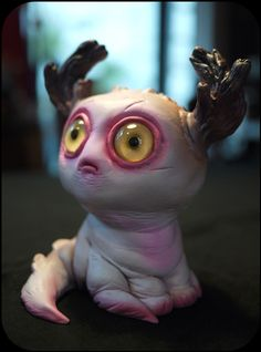 Stan Manoukian's adorable monster for upcoming Bewitching III group show! - NEW POST: Stan Manoukian continues to impress with his sculpturial talents as he shows off his submission for the upcoming. Sculpture Clay, Soft Sculpture, Weird Creatures, Fantasy Creatures, Ooak Dolls, Art Dolls, Clay Monsters, Design Creation, Vinyl Toys