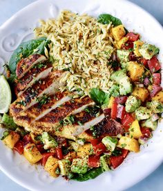 Fajita Citrus Chicken with Mango Avocado Salad and Cilantro Rice — Caroline Franco Mango Avocado Salad, Avocado Dessert, Avocado Salat, Avocado Toast, Healthy Meal Prep, Healthy Snacks, Healthy Eating, Healthy Recipes, Fajita Recipe