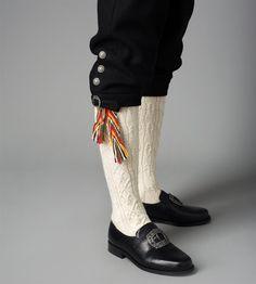 Bilde av Hosebånd og strømpe til Vestfold herre modell Borre Norway, Macrame, Boots, Inspiration, Fashion, Scale Model, Photo Illustration, Crotch Boots, Biblical Inspiration