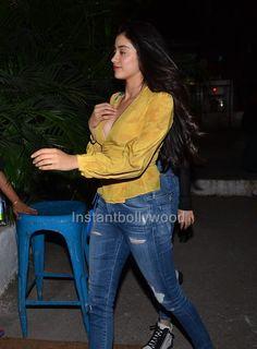 Jhanvi Kapoor Pics from last night