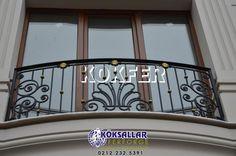 Ferforje balkon, ferforje balkon korkulukları, balkon korkuluğu, ferforje balkon modelleri, balkon modelleri, ferforje balkon korkuluğu modelleri, ferforje balkonlar Balcony Grill Design, Balcony Railing Design, Iron Staircase Railing, Railings, Balcon Juliette, Front Door Design Wood, Iron Gate Design, Iron Balcony, Residential Interior Design