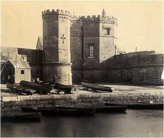 Fort Macquarie was a square castellated battlement fort built at Bennelong Point, Sydney, New South Wales, Australia, where the Sydney Op. Sydney Australia, Australia Travel, Sydney City, Historical Images, History Photos, Photos Of The Week, Old Photos, Vintage Photos, Lineman