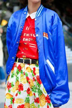 . Lookbook Mode, Fashion Lookbook, Bomber Jacket, Street Style, Blogger Style, Coat, Funny Cats, Jackets, Outfits