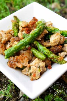 This delicious Clean Eating Ground Turkey Asparagus Skillet is fast and easy to make on a busy weeknight. From TheGraciousPantry. Ground Turkey Recipes Whole 30, Ground Turkey Dinners, Healthy Turkey Recipes, Healthy Ground Turkey, Ground Chicken Recipes, Diet Recipes, Ground Meat, Diet Tips, Clean Dinner Recipes