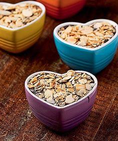 Hot pot de chocolate com grand marnier e amêndoas (Foto: Ricardo Corrêa/Editora Globo) Grand Marnier, Hot Pot, Carole Crema, Chocolate, Cereal, Muffin, Breakfast, Health, Food Ideas