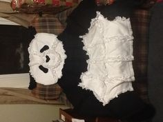 Panda bear I have this my titi Chantal gave it to me. Thanks