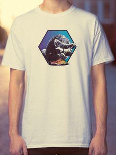 An awesome white shirt with a badass trash panda stealing your dinner? Game Logo, Rave Wear, Casual Wear, Badass, Funny Animals, Panda, Street Wear, Classic T Shirts, Tee Shirts