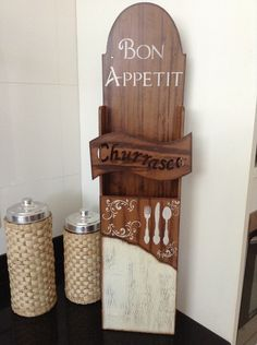 Porta espeto com pintura e textura rústica. Ótimo para decorar e organizar a área da churrasqueira.     Elo 7 ateliê da Bel. Nit