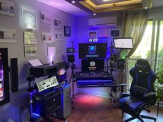 Pc Desk, Monitor, Space, Floor Space, Spaces