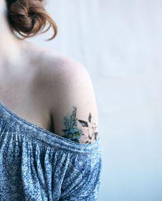 Botaniczne tatuaże EXAMPLE.PL