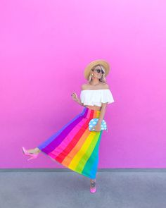Was ist in meiner Clutch: Splendid Rags - Nobody knows I'm a lesbian️️ - Rainbow Rainbow Outfit, Rainbow Fashion, Colorful Fashion, Rainbow Clothes, Pride Outfit, Summer Outfits, Cute Outfits, Cooler Look, Pride Parade