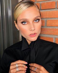"Bettina Frumboli Makeup Artist on Instagram: ""F L A W L E S S ✨ @valentinazenere #valentinazenere #makeup by @bettinafrumboli #hair @facusolis Style @joacodiazst Nails @melsoldo #beauty…"" Casting Pics, American Actress, My Girl, Make Up, Photoshoot, Actresses, Celebrities, Model, Hair"