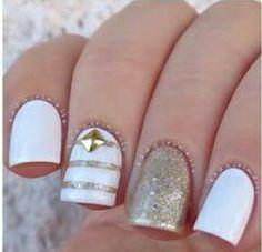 uñas fáciles dorado y blanco