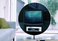 Pannello porta tv con elemento tech cassettoni mensola in vetro