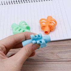 Pencil Grips,Bicolor New Design Ergonomic Training Children Pencil Holder Pen XX