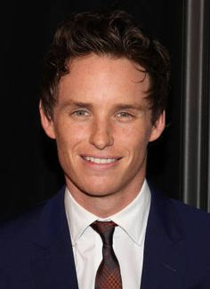 Eddie Redmayne from Les Misérables. He made me cry in the scene with Eponine dying. Celebrity Gallery, Celebrity Photos, Beautiful Boys, Gorgeous Men, Sad Movies, Eddie Redmayne, Celebs, Celebrities, Attractive Men