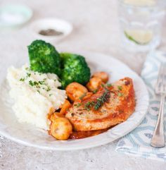 Quorn Meat Free Chicken Fillet Chasseur