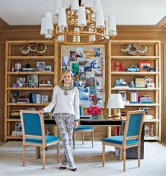 Step Inside Tory Burch's Refined Manhattan Office – Home Office Design For Women Home Office, New York Office, Office Decor, Office Spaces, Office Ideas, City Office, Corner Office, Office Inspo, Office Chic