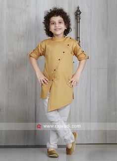 Long Sleeve Pathani Suit in Golden yellow. Kids Indian Wear, Kids Ethnic Wear, Indian Party Wear, Indian Boy, Kids Party Wear Dresses, Kids Dress Wear, Boys Party Wear, Kids Blouse Designs, Mens Kurta Designs