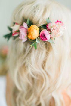 Floral hair accessor