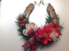 Rustic Christmas Horseshoe Farmhouse Christmas by LuckySoleDesigns Best Christmas Gifts, Christmas Fun, Christmas Decorations, Christmas Ornaments, Thanksgiving Holiday, Horseshoe Projects, Horseshoe Crafts, Horseshoe Art, Horseshoe Wreath