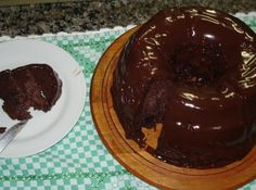 Bolo de Iogurte de Chocolate - Veja como fazer em: http://cybercook.com.br/receita-de-bolo-de-iogurte-de-chocolate-r-12-40740.html?pinterest-rec