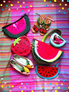 pineapple flats or cherry sandals Looks Style, My Style, Novelty Bags, Strawberry Milk, Girls World, Tutti Frutti, Summer Bags, Geometric Shapes, Eye Candy