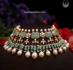 Antique Jewellery Designs, Beaded Jewelry Designs, Necklace Designs, Vintage Jewellery, Antique Jewelry, Indian Jewelry Sets, Indian Wedding Jewelry, Bridal Jewelry, Indian Bridal