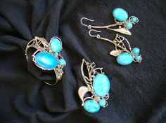 Imagini pentru marian nacu bijutier Turquoise Bracelet, Jewelry Design, Brooch, Bracelets, Rings, Fashion, Brooch Pin, Bangles, Moda