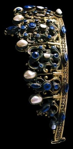 Portuguese Sapphire tiara made of gold metal, sapphires, and baroque pearls, c. 1840.