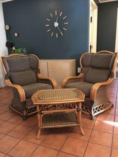 FINN – Slettvoll manilla stoler+bord