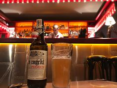 Excelente cerveja Húngara. Cervejaria Fóti. Não sei o estilo. Não entendi nada do que está escrito no rótulo. #cerveja #bier #beer #foti #hungria #hungary #budapeste #budapest
