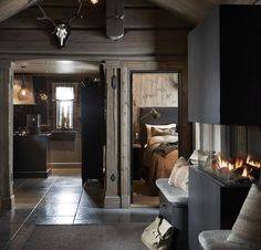 〚 Modern chalet with moody dark interiors in Norway 〛 ◾ Photos ◾Ideas◾ Design Modern Cabin Interior, Decor Interior Design, Interior Decorating, Interior Shop, Natural Interior, Interior Office, Interior Livingroom, Interior Plants, Apartment Interior