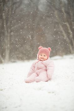 Snow Photography: 6 Tips for Taking Magical Pictures #snow #photography #tipsandtricks #justforfun #winter #creative