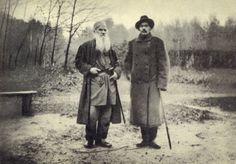 Л. Н. Толстой и А. М. Горький на прогулке в Ясной Поляне. 1900 г.