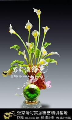 Pulled sugar Calla Lilies from sugar artist Zhang Jiaqing of China