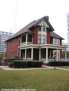 Weekend in Midtown, Atlanta - Margaret Mitchell House . right on Peachtree Street, visited it. Wonderful Places, Great Places, Places To Go, Margaret Mitchell House, U.s. States, United States, Georgia On My Mind, Atlanta Homes, Unique Architecture