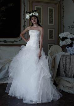 Collezione EP 2015 - Elisabetta Polignano: Modello con gonna in tulle e corpetto lavorato #wedding #weddingdress #weddinggown #abitodasposa
