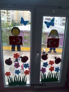23 Nisan Ulusal Egemenlik ve Çocuk Bayramı süslemelerimiz ...Şablonları indirmek için tıklayınız: http://www.egitimhane.com/23-nisan-pano-pencere-susu-d242775.html