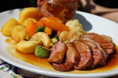 Vegan Nut Roast, Bake Off Winners, Sunday Roast Dinner, Pie And Mash, Mushy Peas, British, Vegetarian Options, Lamb Recipes, Pot Roast