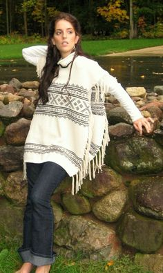 Southwest look poncho ~ from an old sweater, how cool.