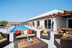 Villa Princesa Calero in Puerto Calero in Lanzarote sleeps 8. It has a private heated pool, air conditioning, Wi-Fi, 4 bedrooms and 4 bathrooms