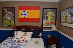 For all you Real Madrid fans out there, check out these decorating ideas for a Real Madrid themed bedroom. Boys Soccer Bedroom, Soccer Room, Boys Bedroom Decor, Master Bedroom Design, Bedroom Themes, Bedroom Styles, Boy Room, Bedroom Ideas, Real Madrid