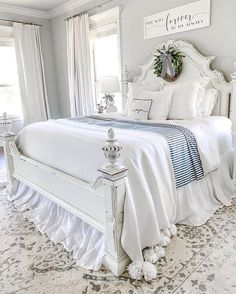 I told you earlier this week to stay tuned to see our new mattress from all dressed up. Well here Happy Friday friends! I told you earlier this week to stay tuned to see our new mattress from all dressed up. Well here Dream Bedroom, Home Decor Bedroom, Bedroom Furniture, Bedroom Ideas, French Bedroom Decor, Bedroom Wall, Farmhouse Master Bedroom, Chic Master Bedroom, King Bedroom
