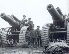 Heavy guns of 8 inches (204 mm) battery on the Somme in 1916, British Army